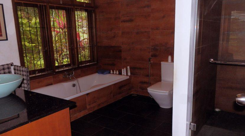 bali-sea-view-villa-sale-bath