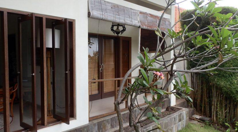 bali-sea-view-villa-sale-bedroom-balcony