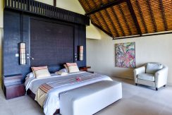 bali-beachfront-villa-sales-bedroom