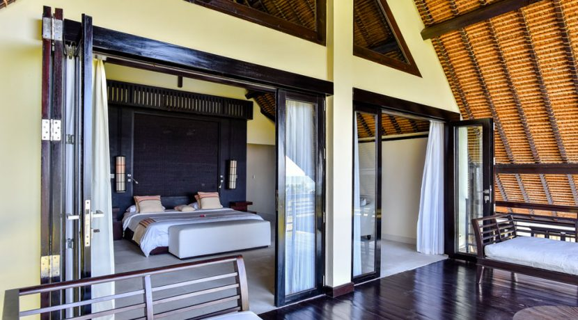 bali-beachfront-villa-sales-bedroom&-balcony
