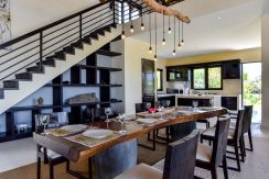 bali-beachfront-villa-sales-dining&kitchen