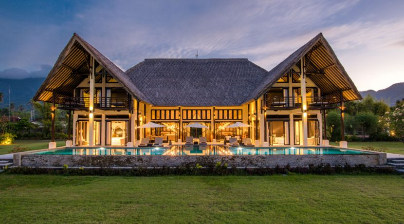 bali-beachfront-villa-sales-evening-shot