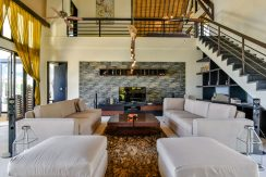 bali-beachfront-villa-sales-living