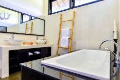 bali-beachfront-villa-sales-bathroom-amenities