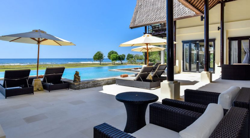 bali-beachfront-villa-sales-terrace-table