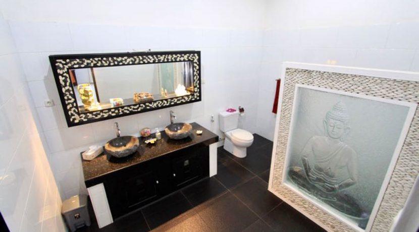 north-bali-lovina-villa-for-sale-bath