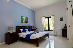 north-bali-lovina-villa-for-sale-bed