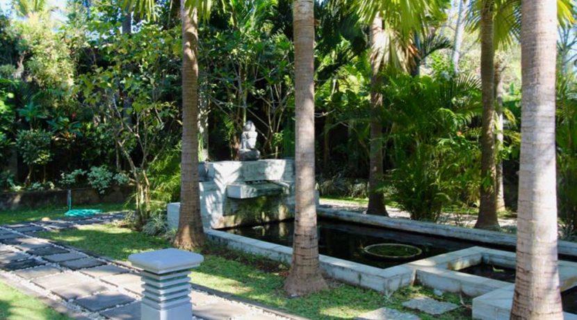 north-bali-lovina-villa-for-sale-fish-pond