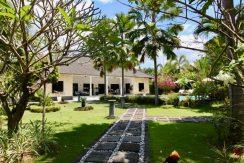 north-bali-lovina-villa-for-sale-garden