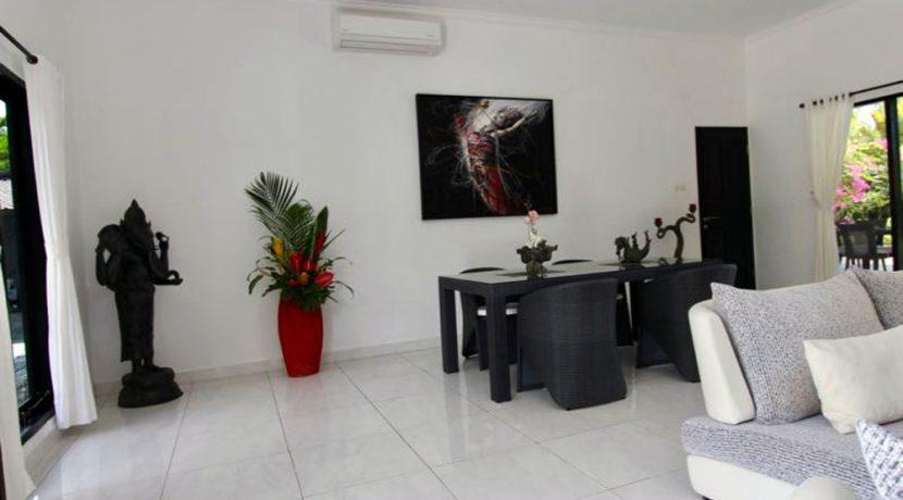 north-bali-lovina-villa-for-sale-indoor-dining