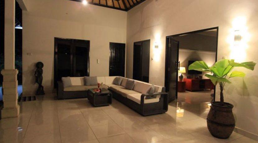 north-bali-lovina-villa-for-sale-living