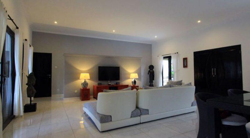 north-bali-lovina-villa-for-sale-living-area