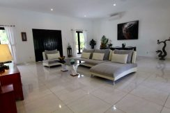 north-bali-lovina-villa-for-sale-lounge-ambiente