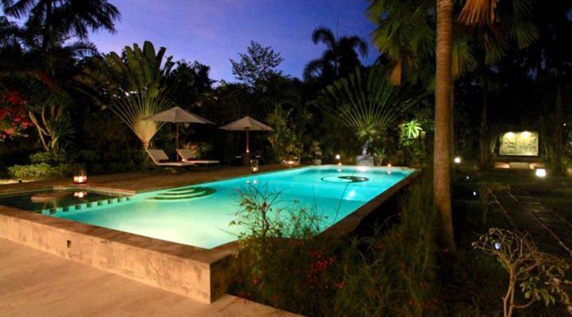north-bali-lovina-villa-for-sale-night-illumination
