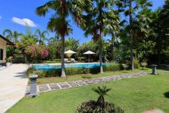 north-bali-lovina-villa-for-sale-pool&garden