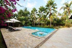 north-bali-lovina-villa-for-sale-pool&sundeck