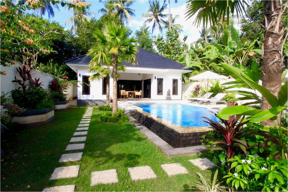 North Bali Villa for sale with private pool in Lovina Town