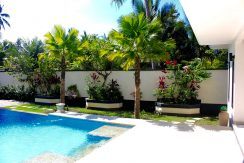 north-bali-villa-kupukupu-for-sale-garden