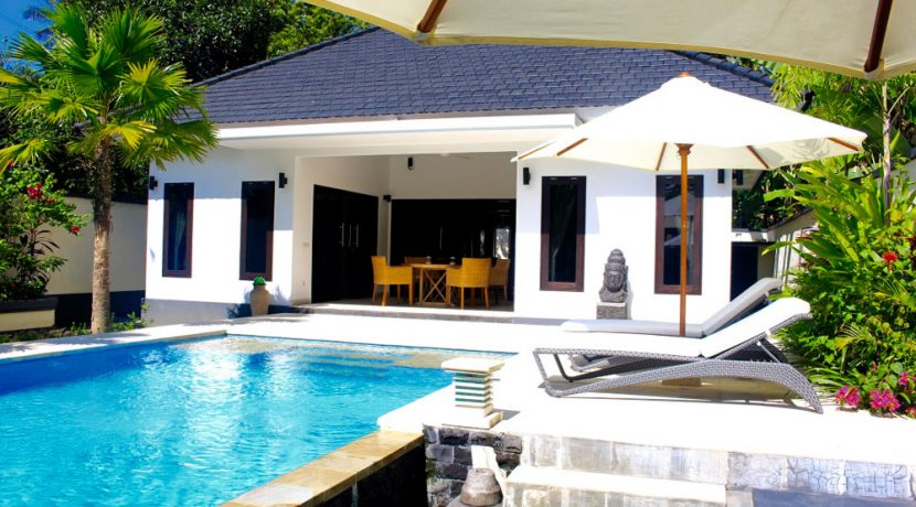 north-bali-villa-kupukupu-for-sale-sun-lounger