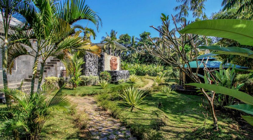 lovina-villa-estate-for-sale-buddha