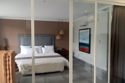 bali-beachfront-villa-for-sale-bed