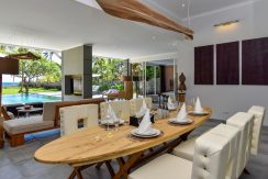 bali-beachfront-villa-for-sale-indoor-dining