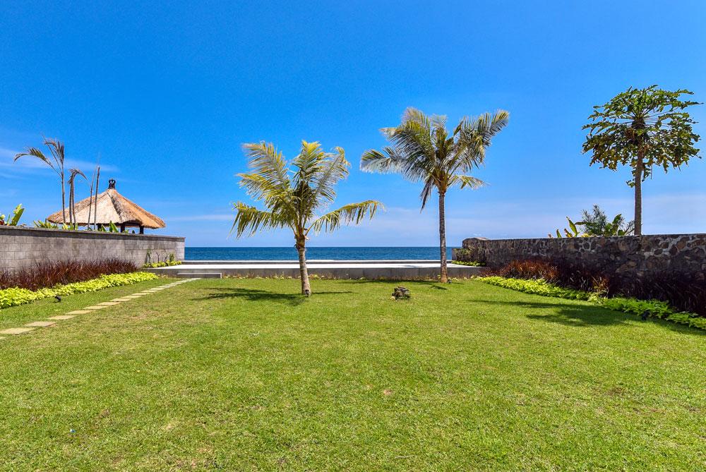 Bali beachfront villas for sale – freehold NB-V080