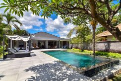 bali-beachfront-villa-for-sale-pool-area