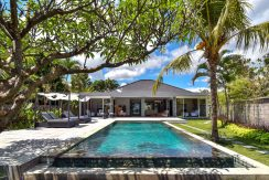 bali-beachfront-villa-for-sale-pool-size