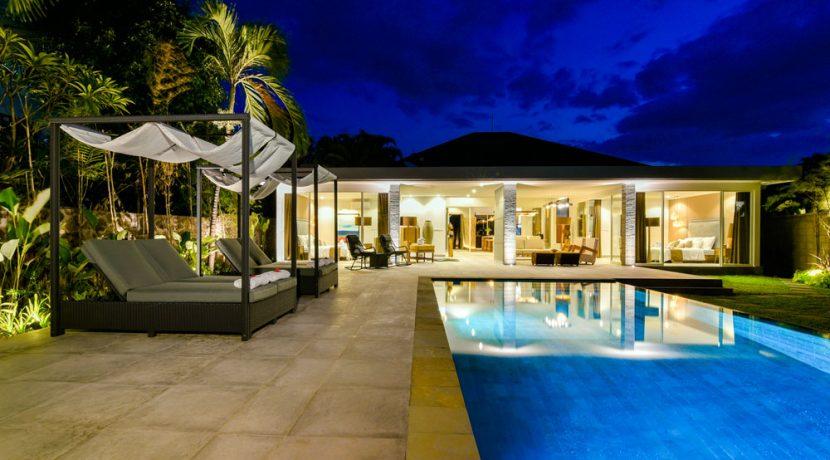bali-beachfront-villa-for-sale-pooldeck-night