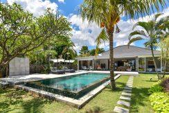 bali-beachfront-villa-for-sale-private-pool