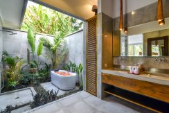 bali-beachfront-villas-for-sale-bathroom
