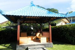 north-bali-beachfront-villa-for-lease-garden-bale