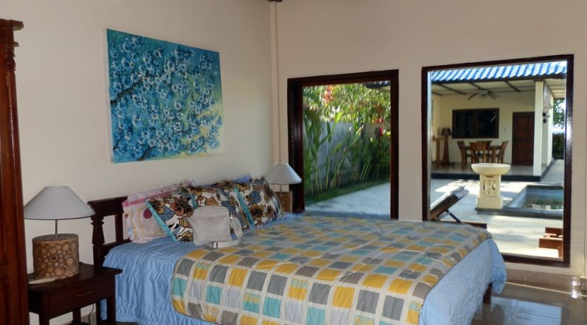 north-bali-beachfront-villa-for-lease-guest-bedroom