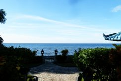 north-bali-beachfront-villa-for-lease-ocean-front