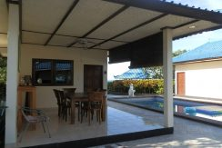 north-bali-beachfront-villa-for-lease-outdoor-dining