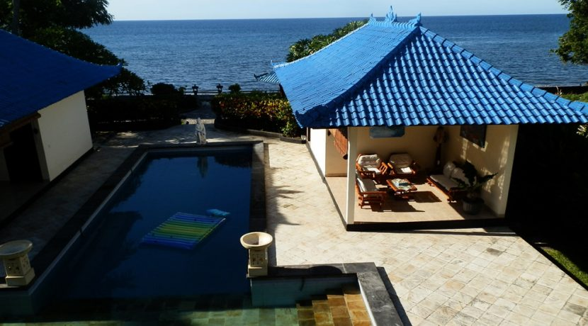 north-bali-beachfront-villa-for-lease-outdoor-lounge-pool
