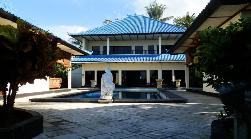 north-bali-beachfront-villa-for-lease-villa-pool