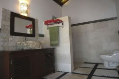 north-bali-oceanfront-villa-for-sale-bathroom