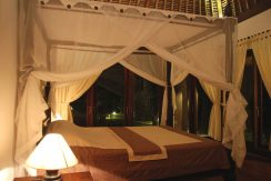 north-bali-oceanfront-villa-for-sale-bedroom