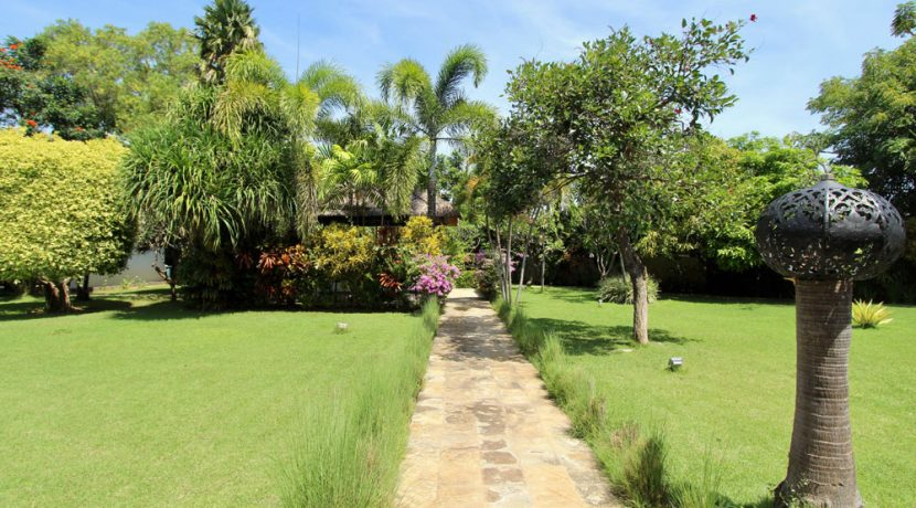 north-bali-villa-for-sale-belvedere-garden