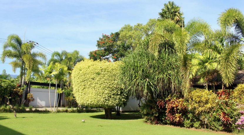 bali beachfront villa for sale gate