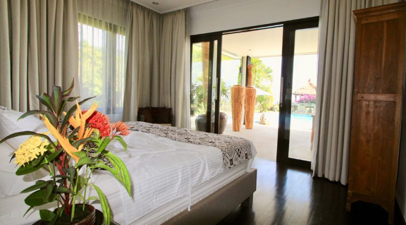 bali beachfront villa for sale master bedroom