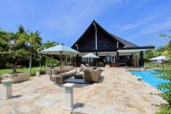north-bali-villa-for-rent-belvedere-terrace-lounge