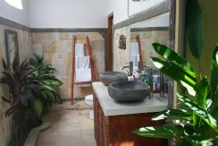 bali-sea-view-villa-sale-master-bathroom