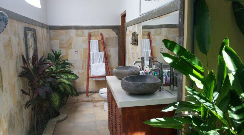 bali-sea-view-villa-sale-master-bathroom