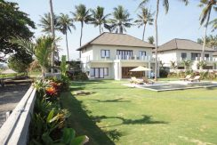 north-bali-beachfront-villa-for-sale