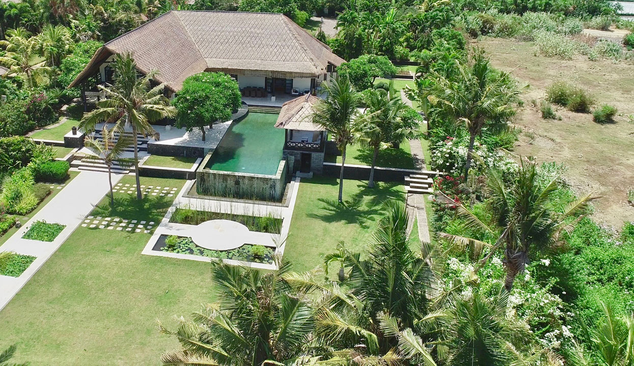 Bali beachfront villas for sale – 4 bedrooms and private pool