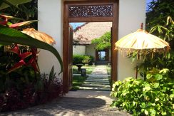 bali-seafront-villa-for-sale-entree
