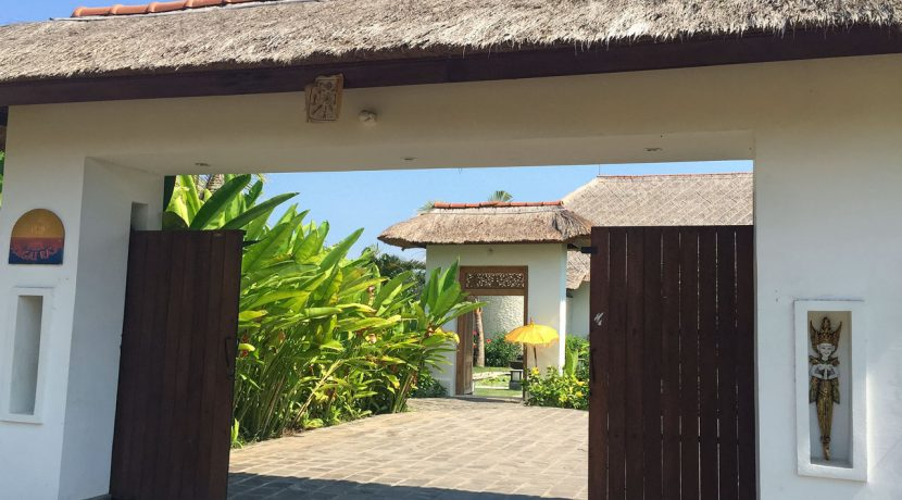 bali-seafront-villa-for-sale-gate